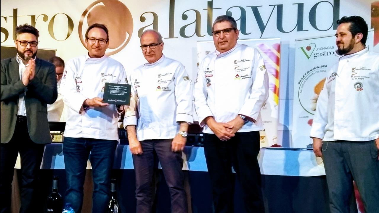 Lee más sobre el artículo GastroCalatayud rinde un emotivo homenaje a la Asociación de Cocineros de Aragón por su 25 aniversario